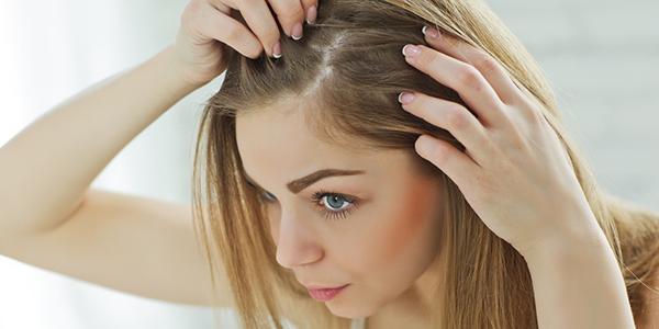 女性の薄毛には特有の原因があるって本当? 効果的な対策方法とは